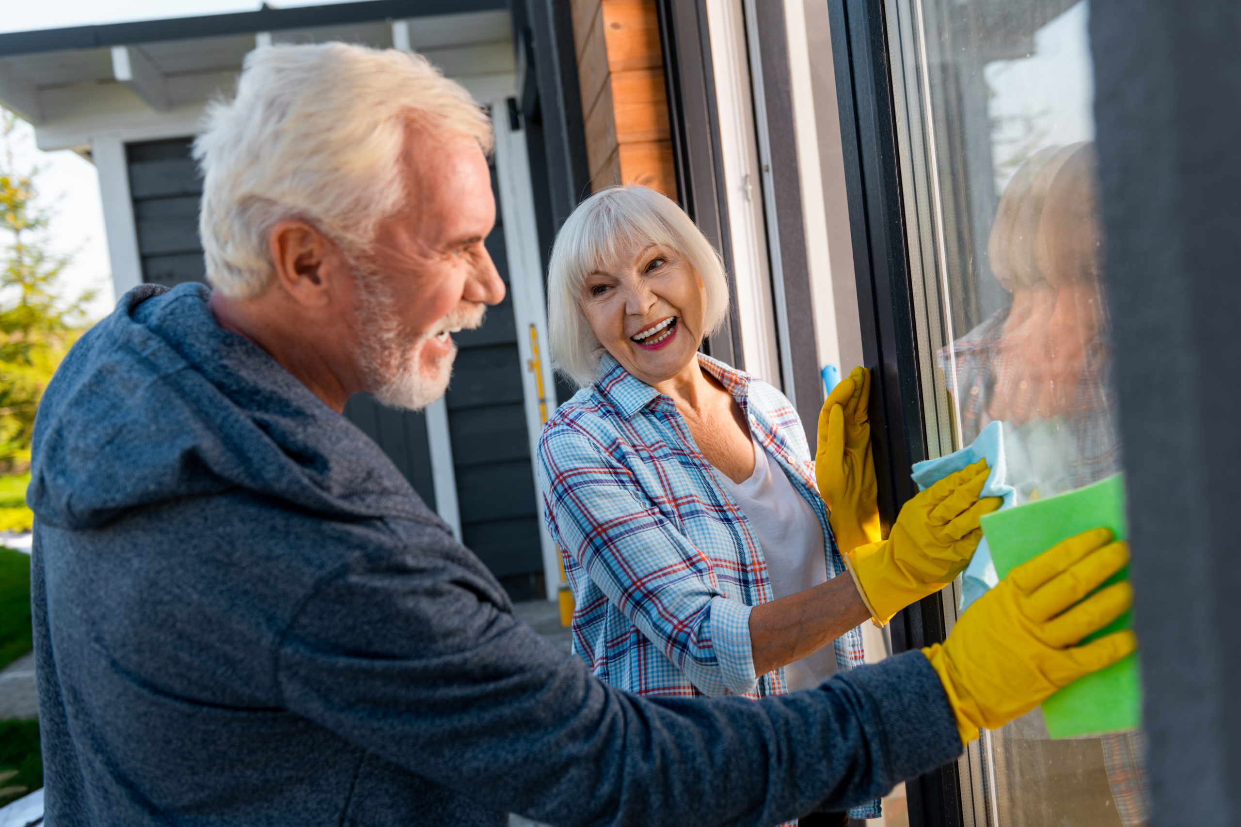 Simple Spring Cleaning Tips for Older Adults